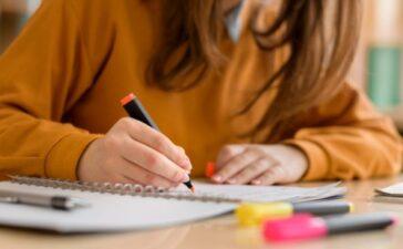 La Junta becará a los universitarios de Castilla y León que quieran mejorar su conocimiento de un idioma extranjero 1