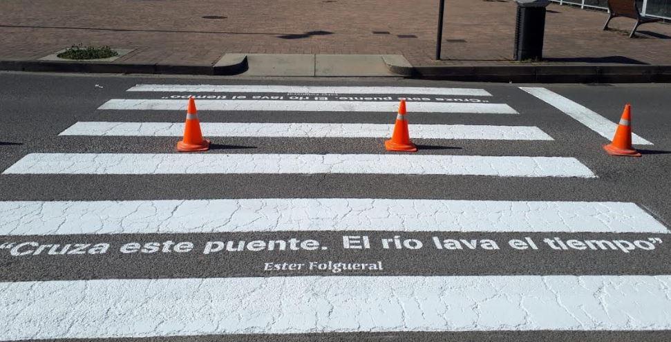 Cultura reanuda el proyecto 'Poetizando Ponferrada' y abre la posibilidad de participar a los ciudadanos con mensajes para ser rotulados en los pasos de peatones 1