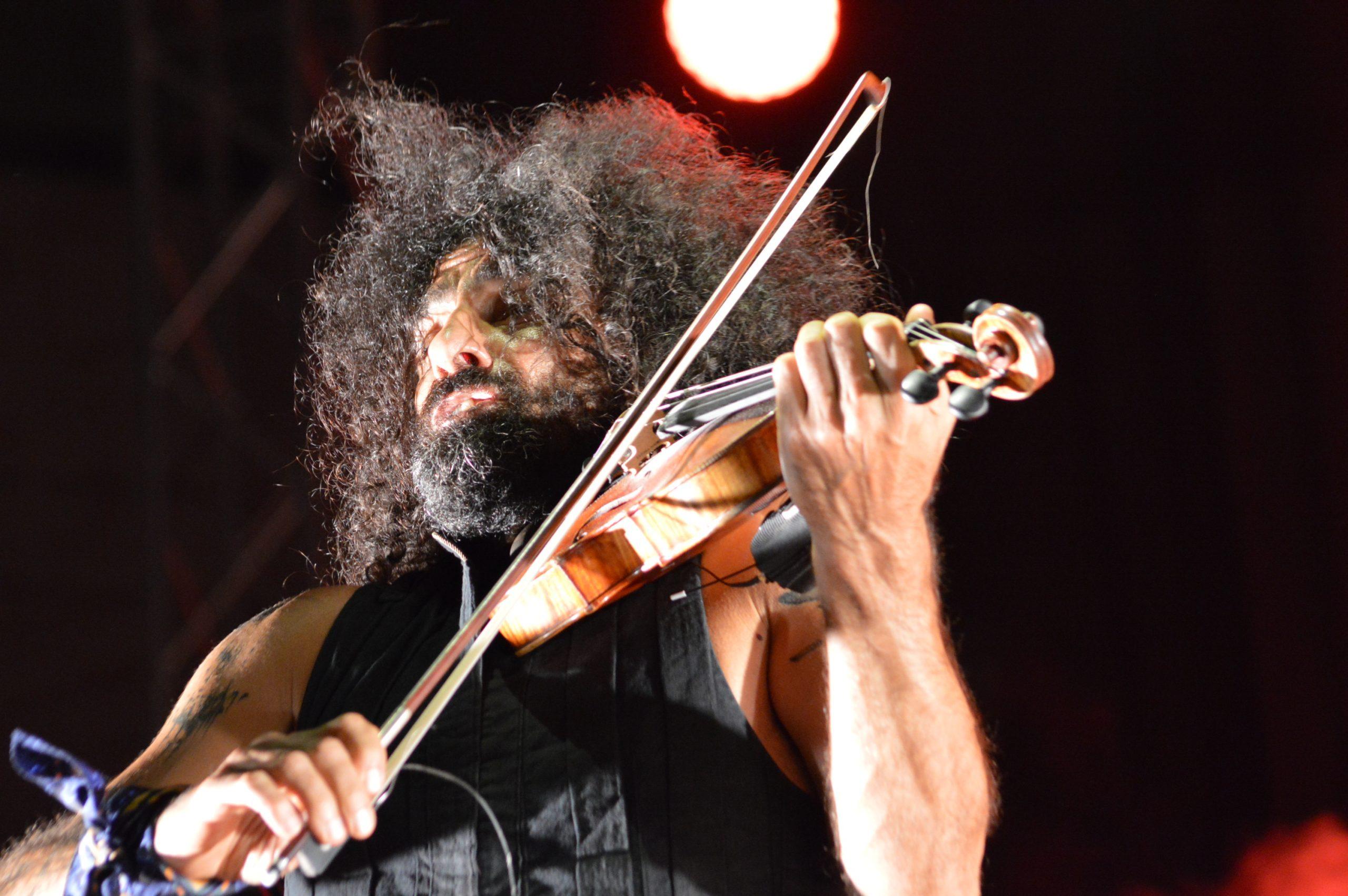 Ara Malikian emociona en su regreso a Ponferrada demostrando una vez más su virtuosismo con el violín 6
