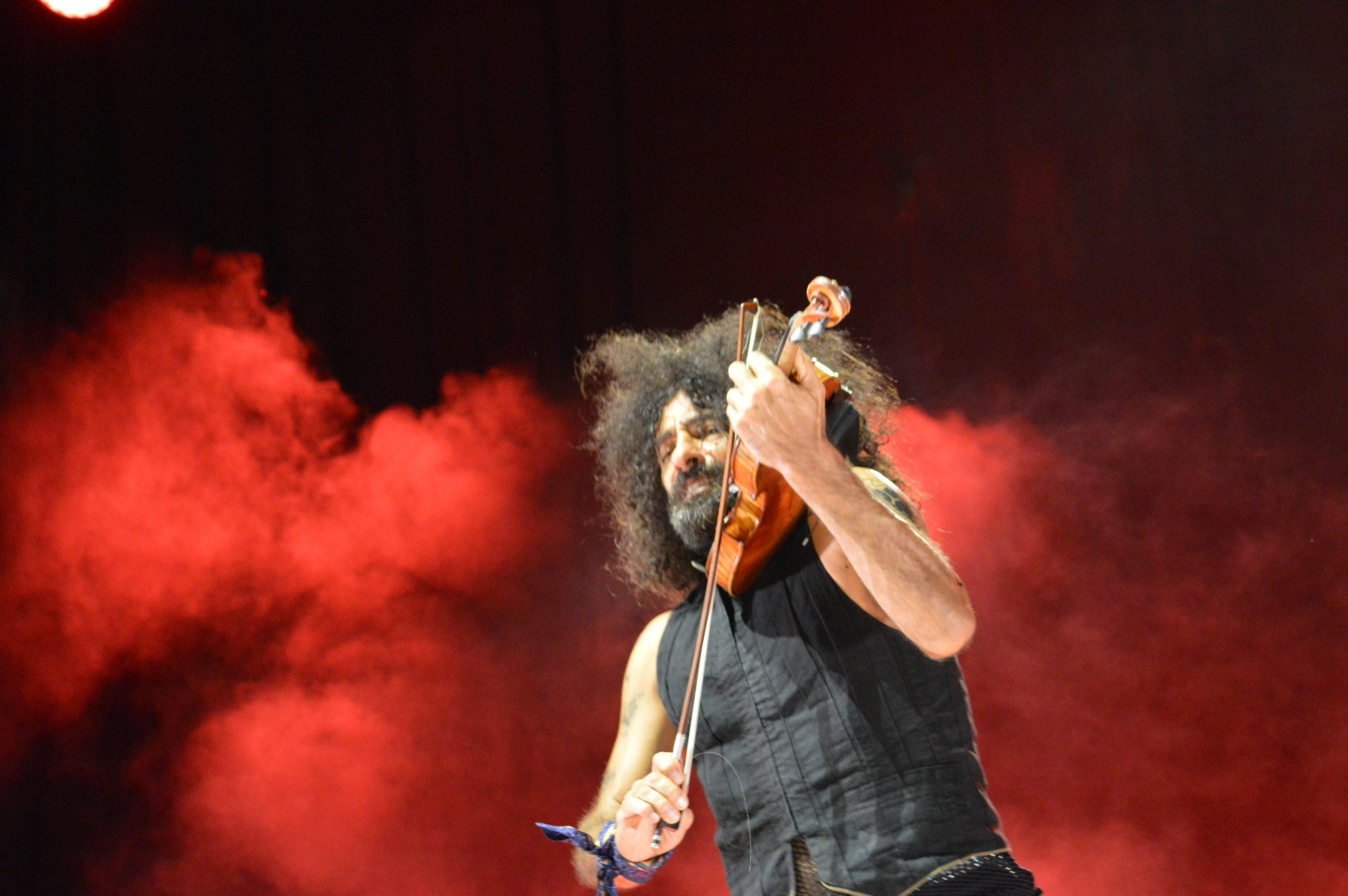 Ara Malikian emociona en su regreso a Ponferrada demostrando una vez más su virtuosismo con el violín 36