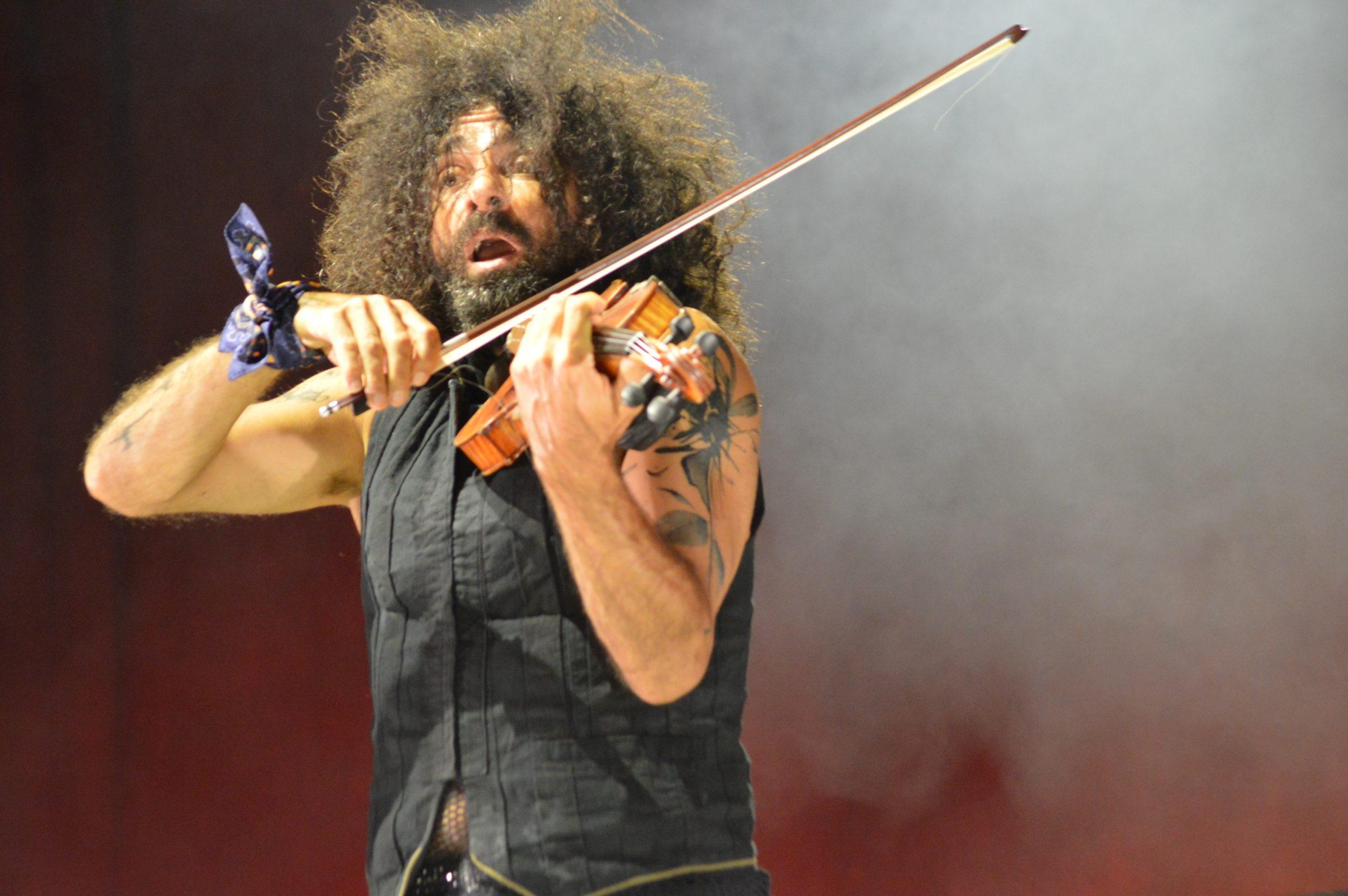 Ara Malikian emociona en su regreso a Ponferrada demostrando una vez más su virtuosismo con el violín 9