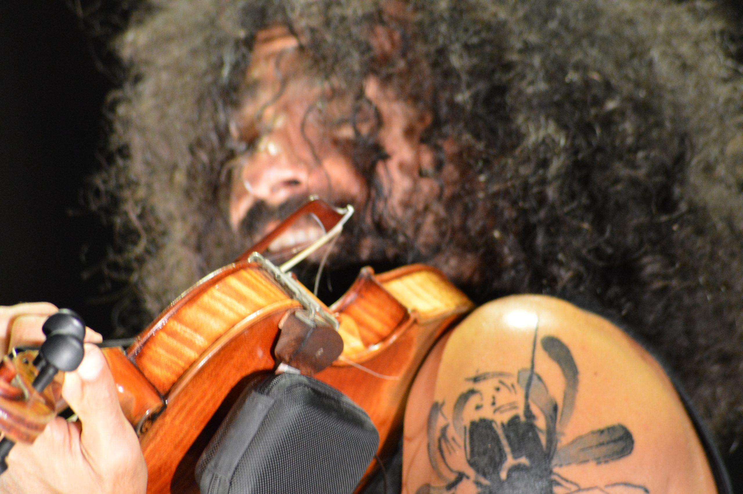 Ara Malikian emociona en su regreso a Ponferrada demostrando una vez más su virtuosismo con el violín 11