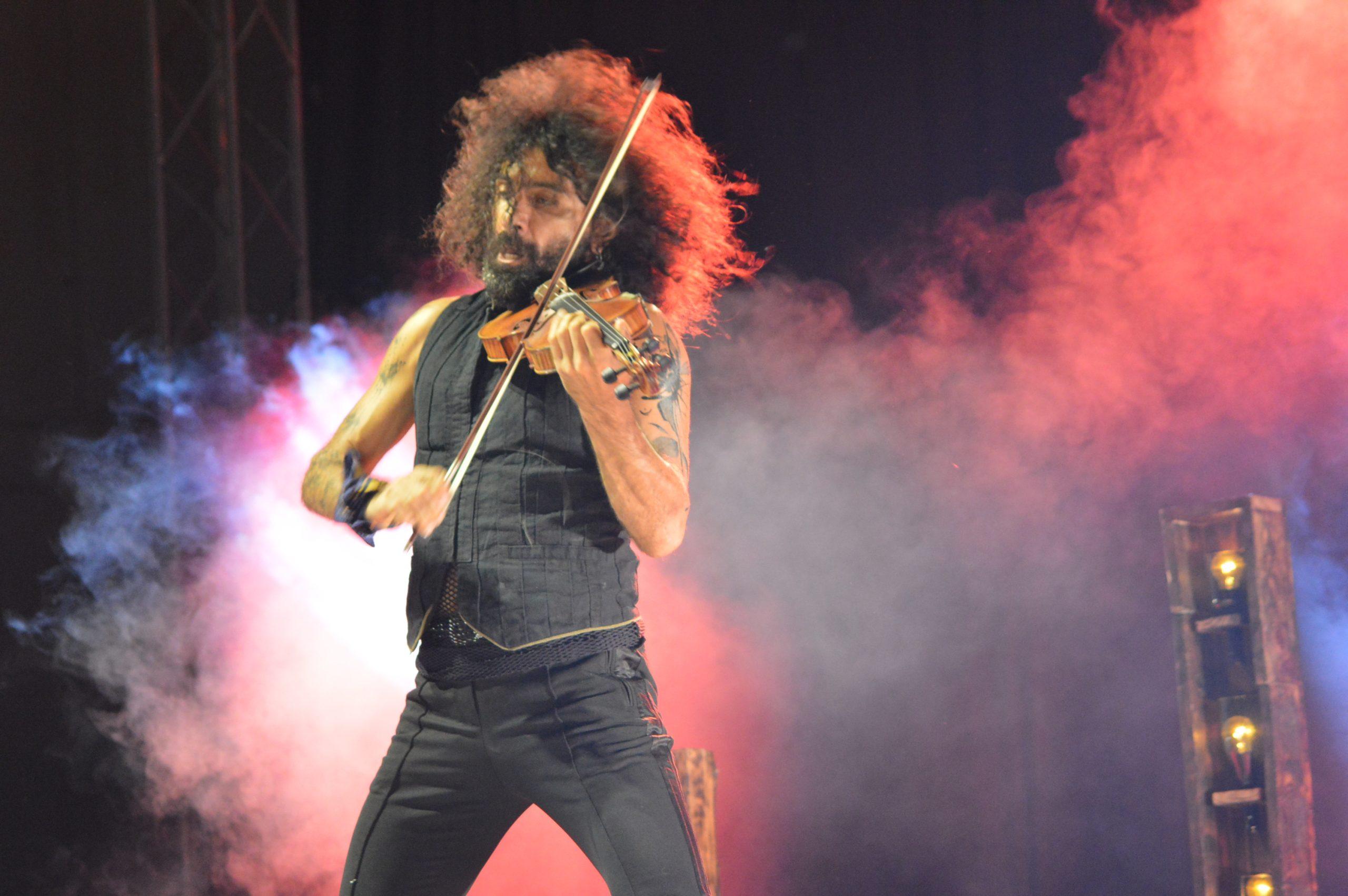 Ara Malikian emociona en su regreso a Ponferrada demostrando una vez más su virtuosismo con el violín 13