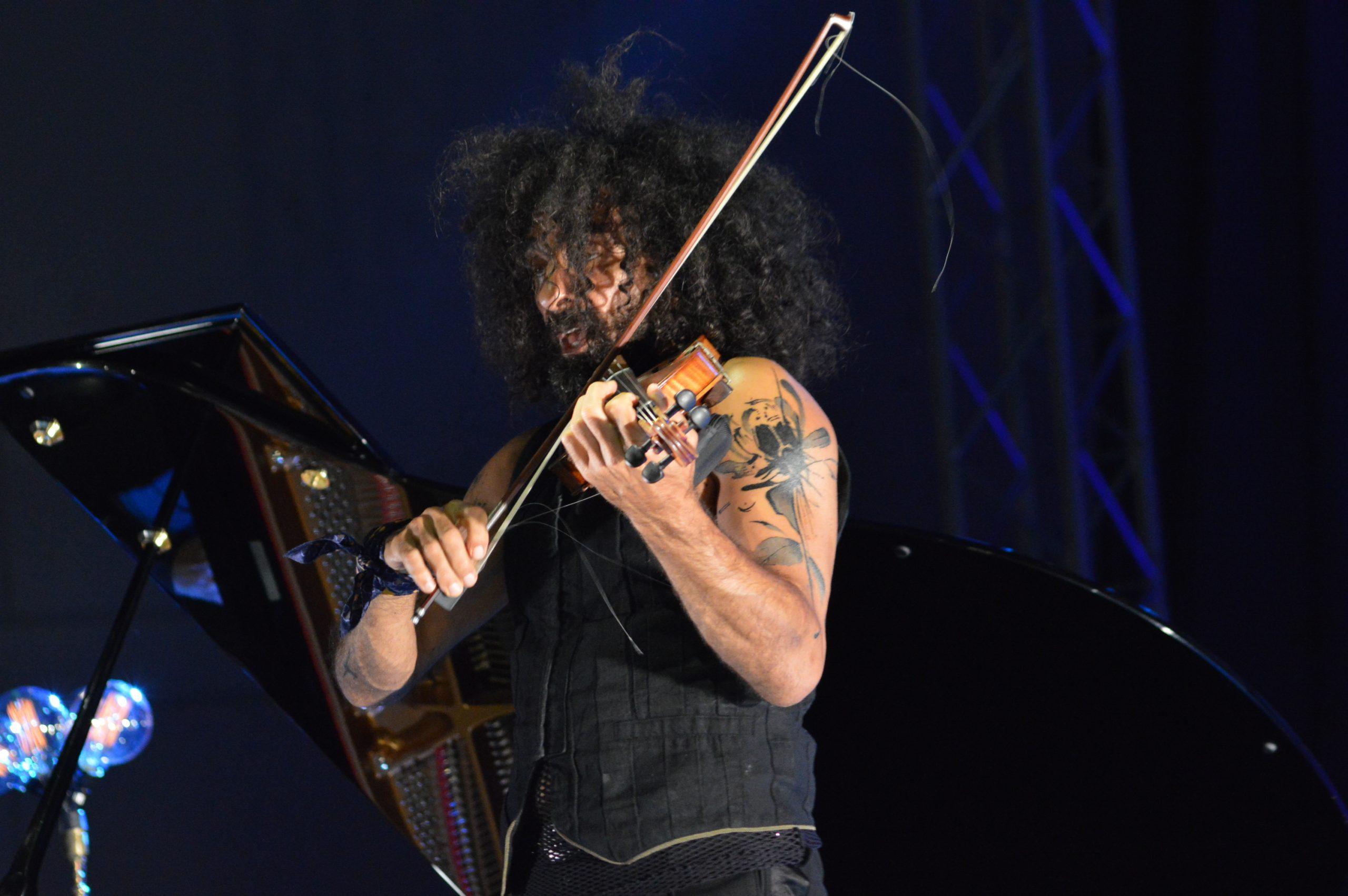Ara Malikian emociona en su regreso a Ponferrada demostrando una vez más su virtuosismo con el violín 35
