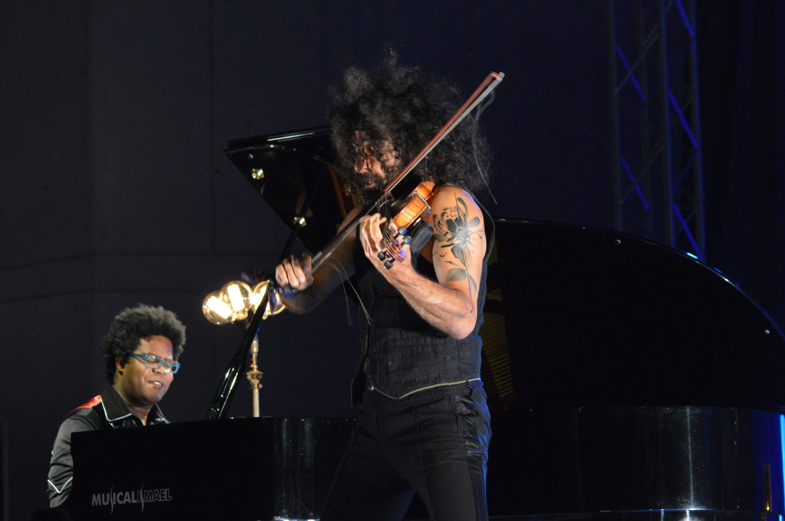 Ara Malikian emociona en su regreso a Ponferrada demostrando una vez más su virtuosismo con el violín 20