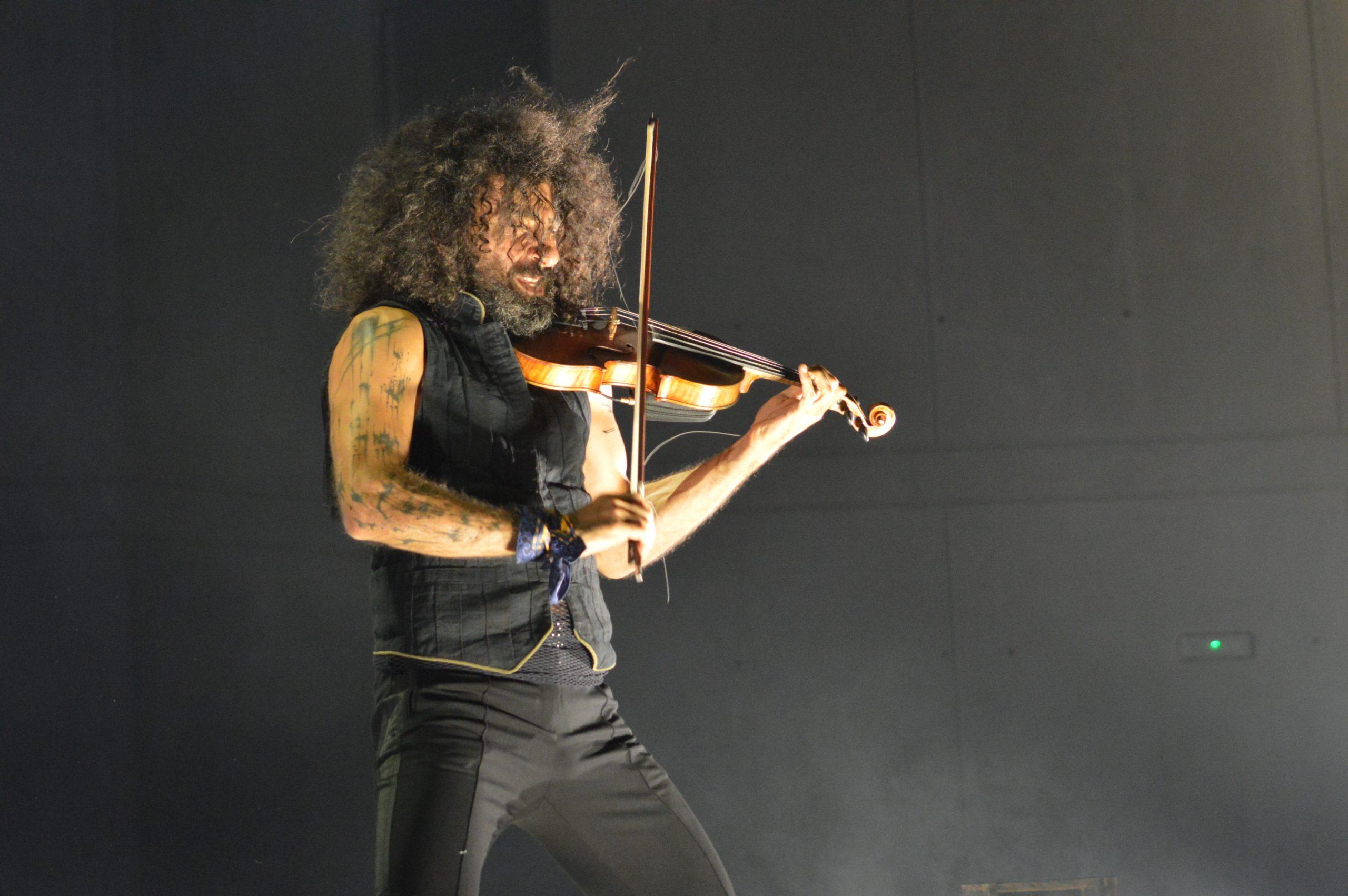 Ara Malikian emociona en su regreso a Ponferrada demostrando una vez más su virtuosismo con el violín 22