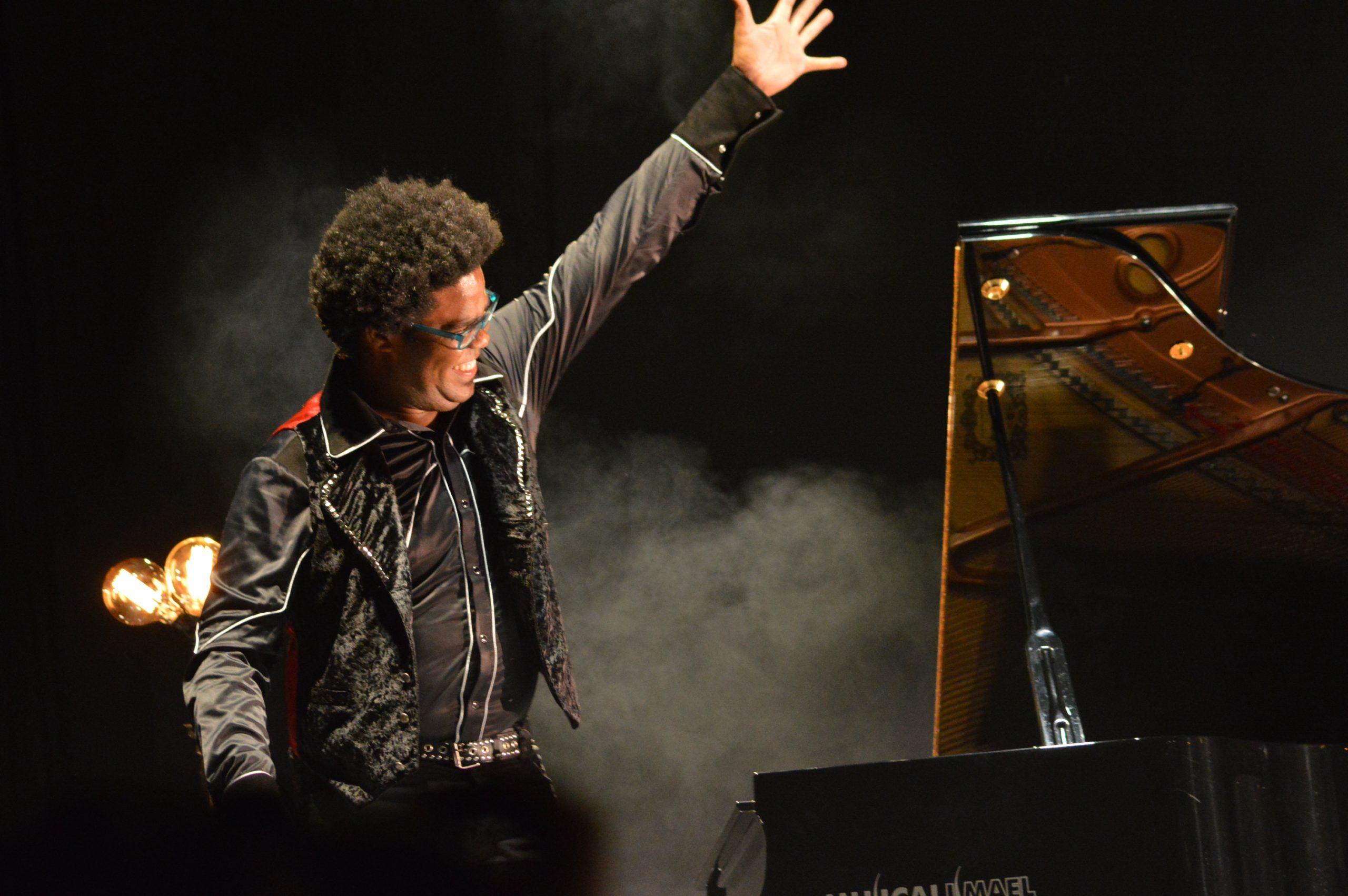 Ara Malikian emociona en su regreso a Ponferrada demostrando una vez más su virtuosismo con el violín 23