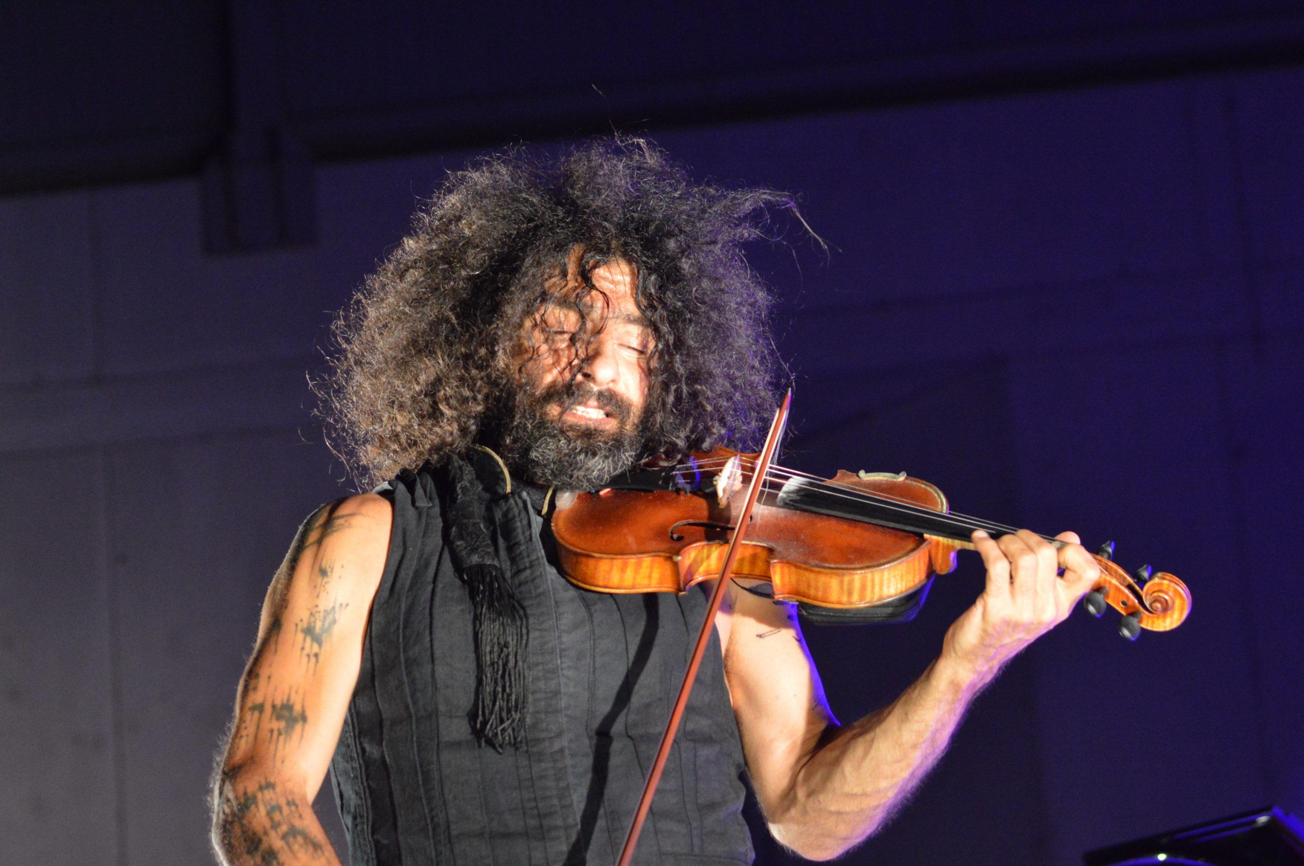 Ara Malikian emociona en su regreso a Ponferrada demostrando una vez más su virtuosismo con el violín 34