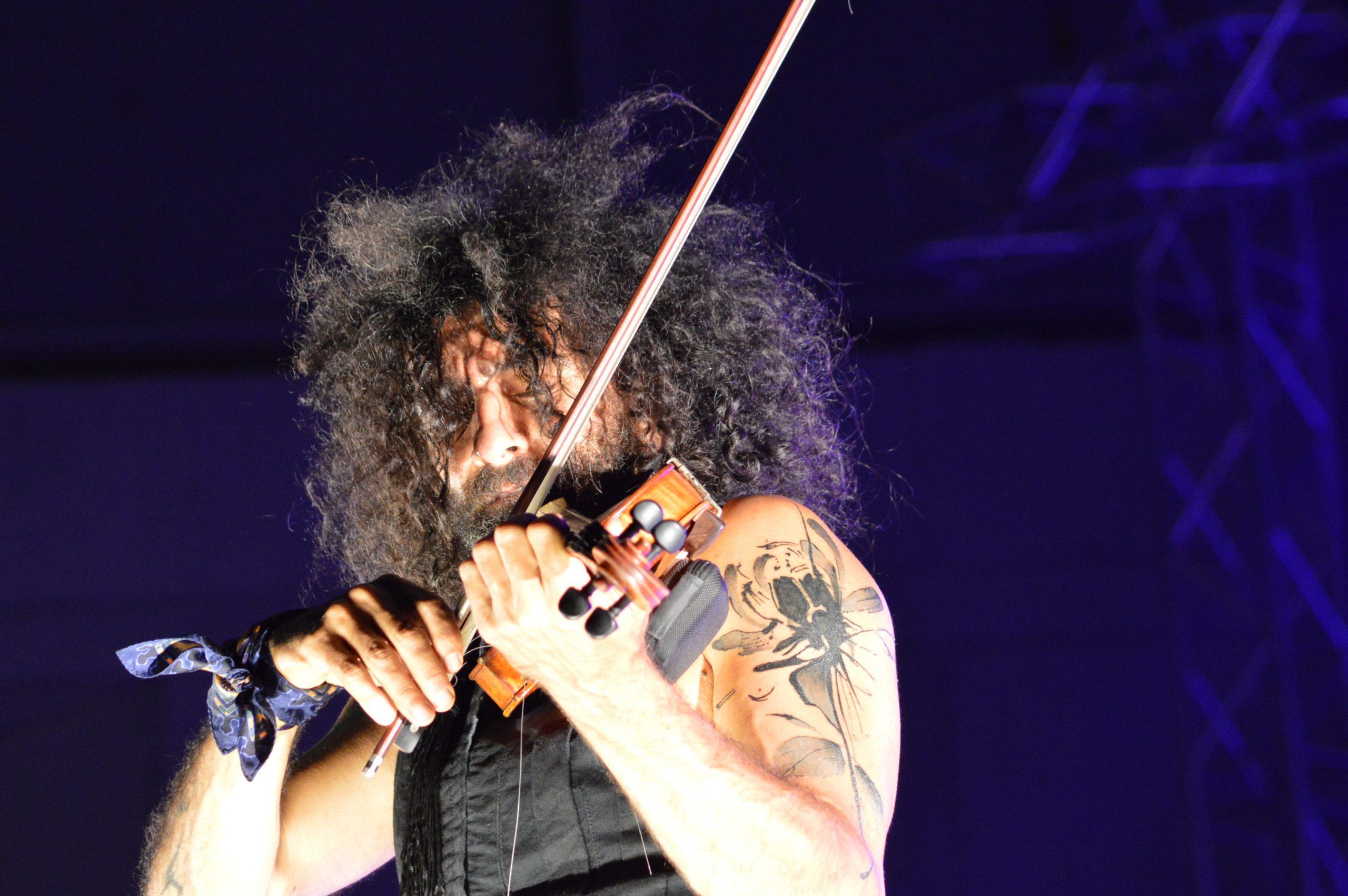 Ara Malikian emociona en su regreso a Ponferrada demostrando una vez más su virtuosismo con el violín 27