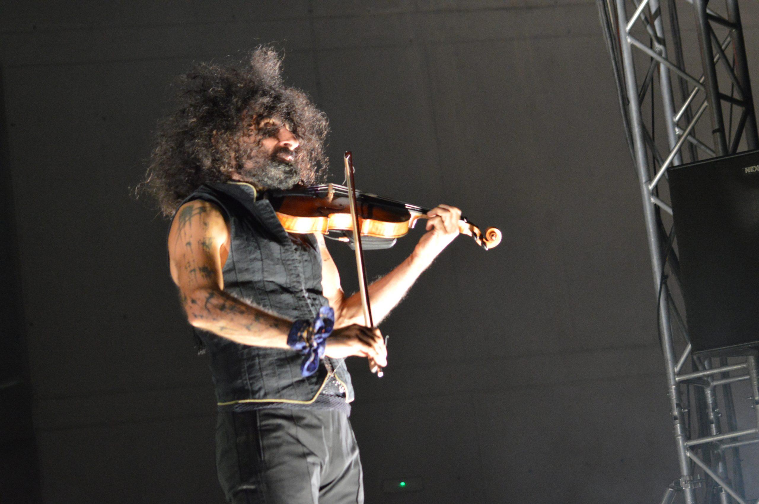 Ara Malikian emociona en su regreso a Ponferrada demostrando una vez más su virtuosismo con el violín 32