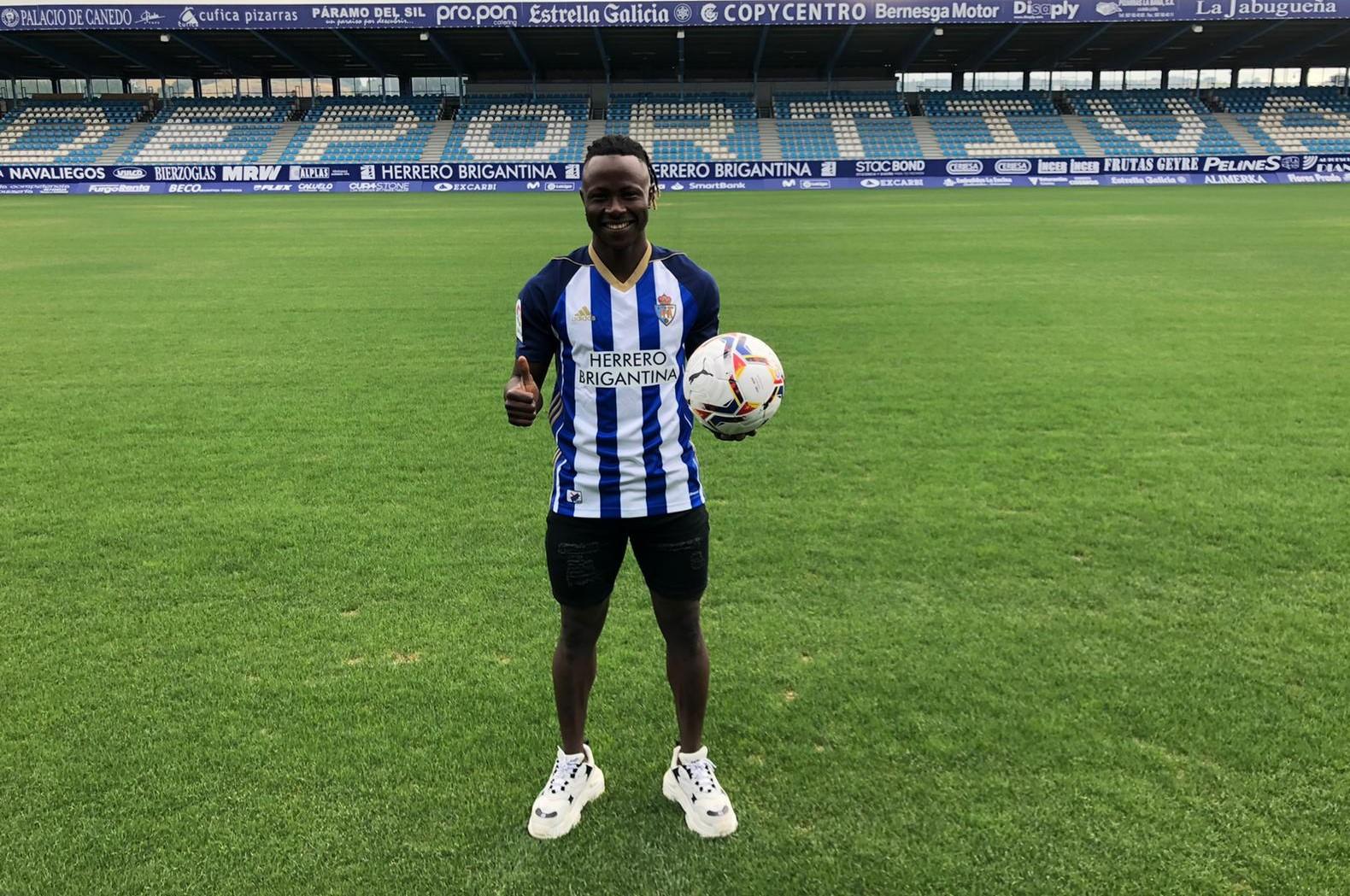 Moussa Sidibé, nuevo jugador de la SD Ponferradina 2