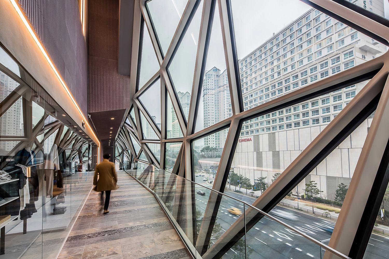 El increíble edificio en Corea que integra el vidrio berciano fabricado en Tvitec 4
