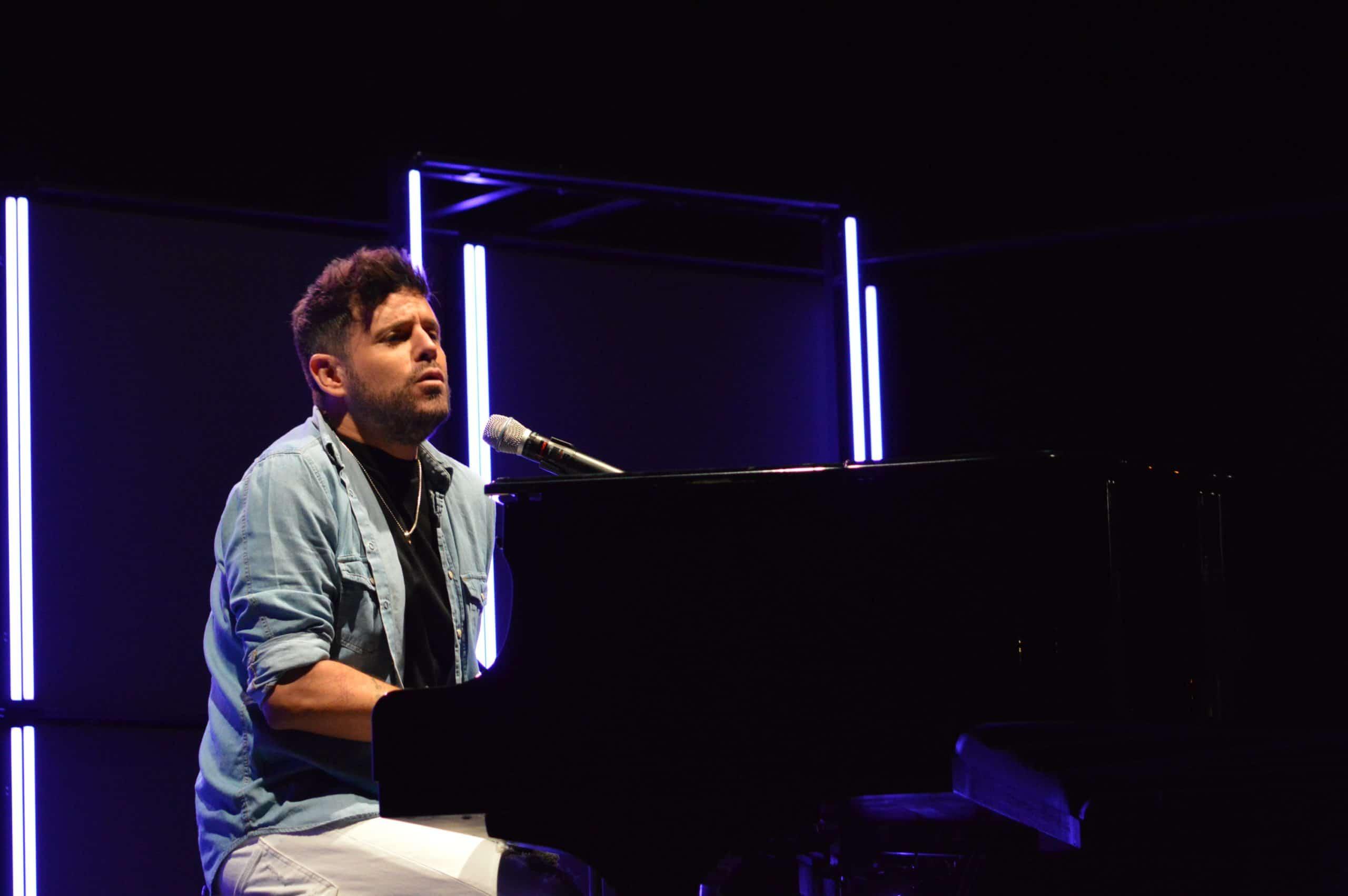 La gira 'López, piano y voz' de Pablo López pone el broche final a las fiestas de la Encina que nunca hubiéramos querido vivir 32