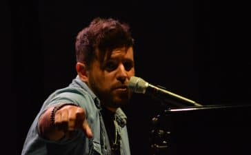 La gira 'López, piano y voz' de Pablo López pone el broche final a las fiestas de la Encina que nunca hubiéramos querido vivir 36
