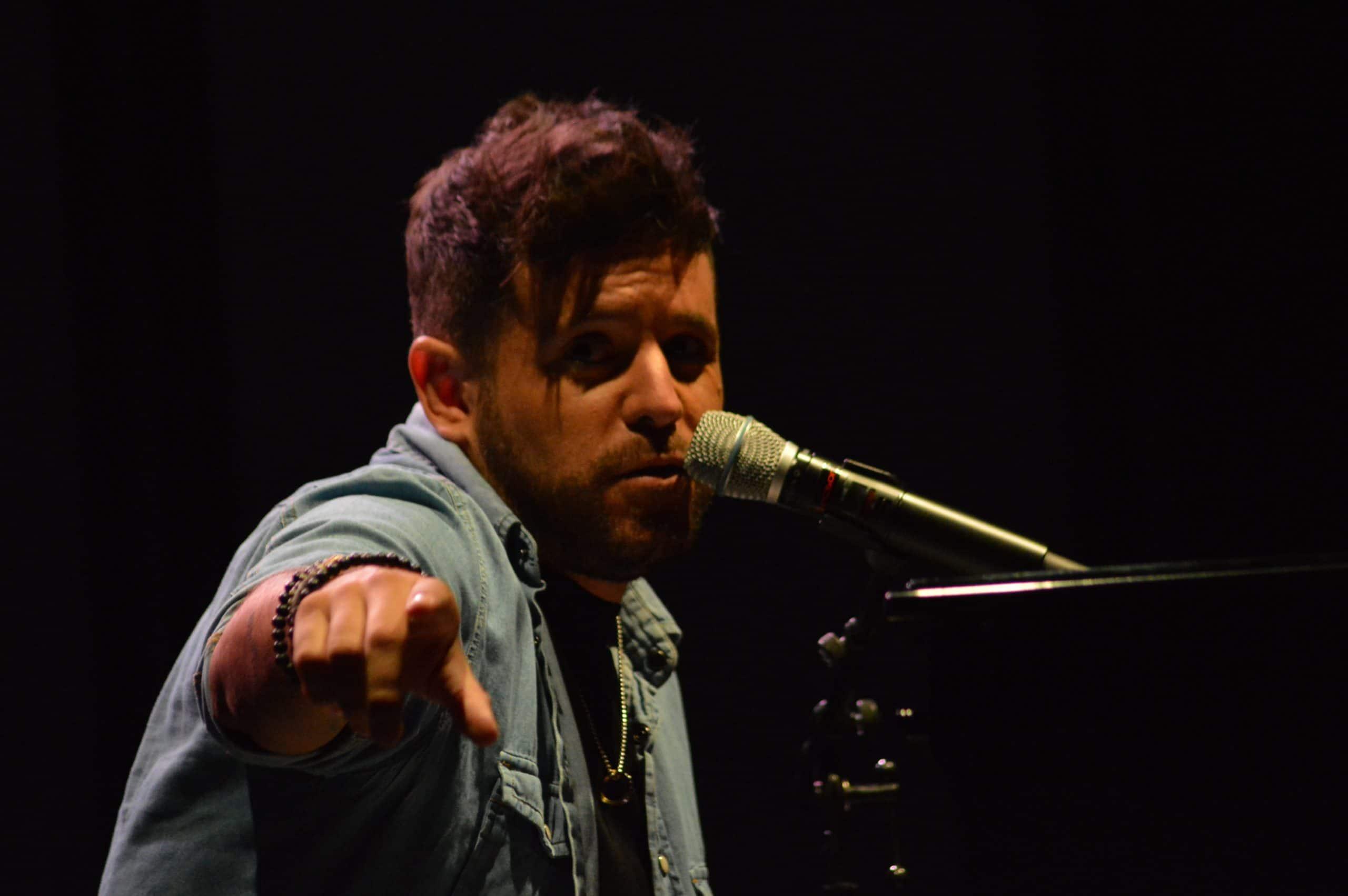 La gira 'López, piano y voz' de Pablo López pone el broche final a las fiestas de la Encina que nunca hubiéramos querido vivir 1
