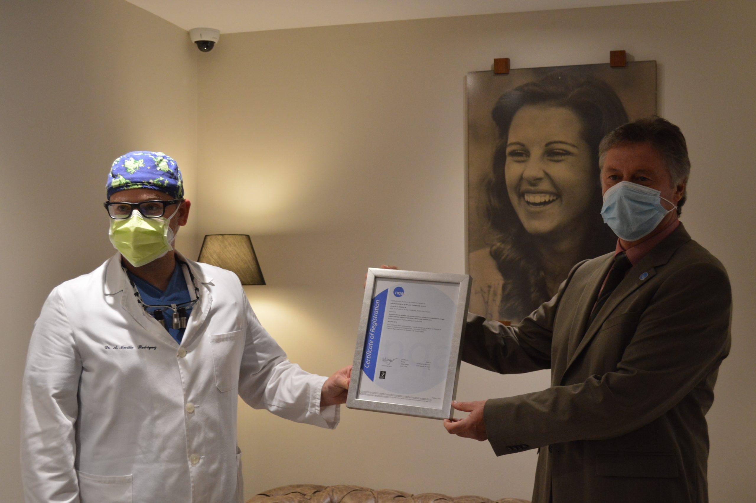 Clínica La Puebla 39 recibe en sus instalaciones las certificaciones de calidad ISO:9001 y UNE:179001 2