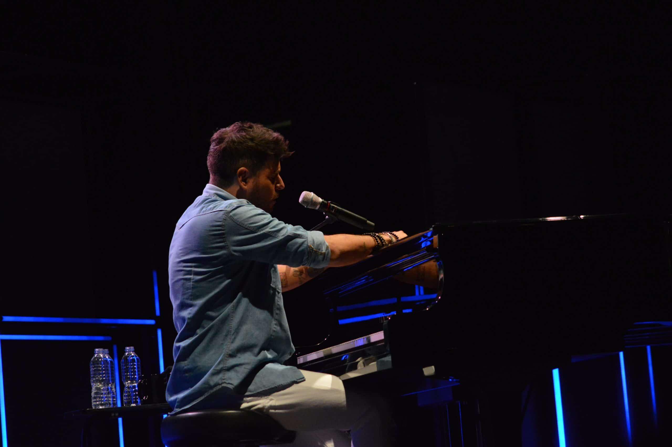 La gira 'López, piano y voz' de Pablo López pone el broche final a las fiestas de la Encina que nunca hubiéramos querido vivir 28