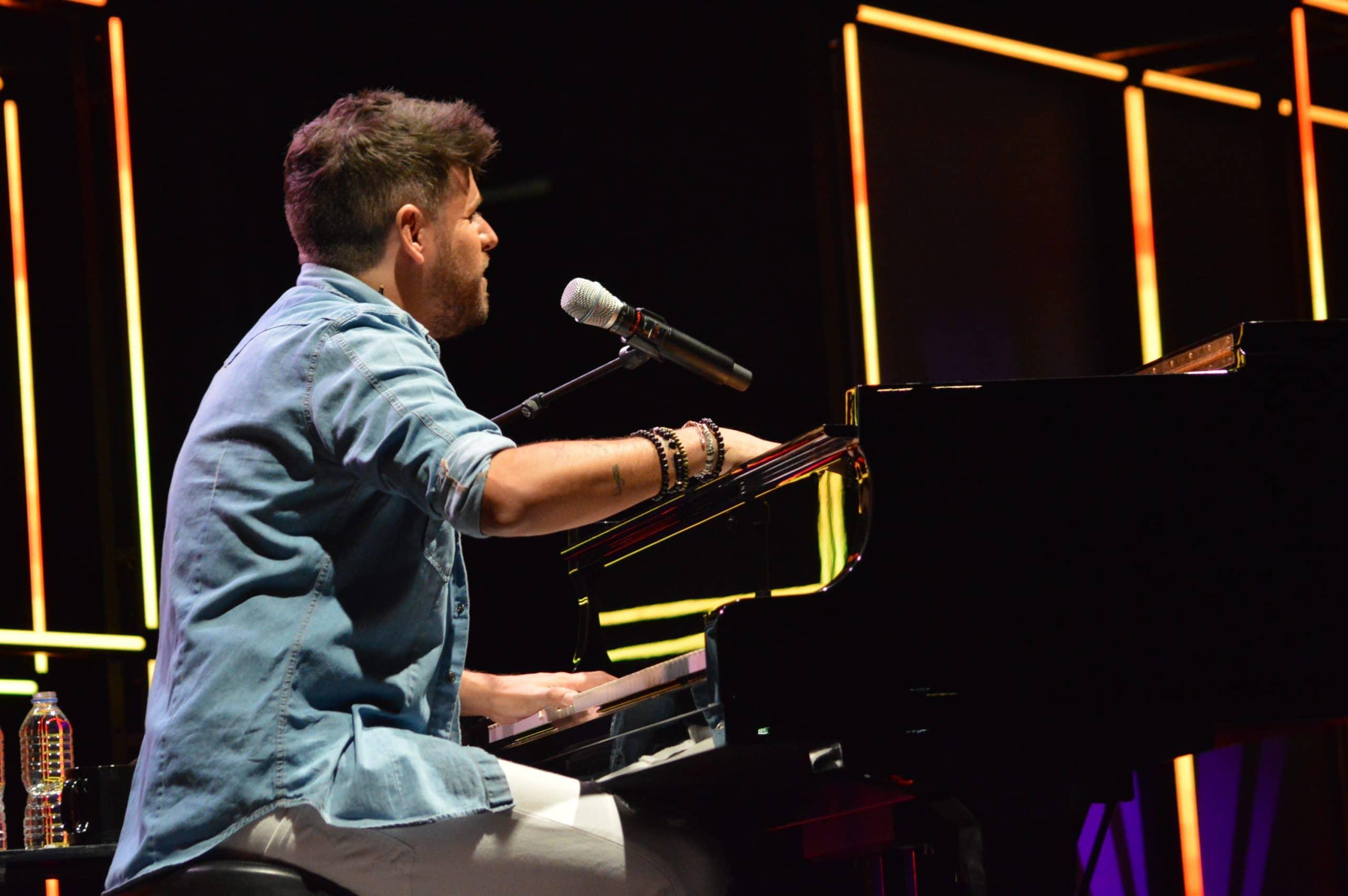 La gira 'López, piano y voz' de Pablo López pone el broche final a las fiestas de la Encina que nunca hubiéramos querido vivir 21