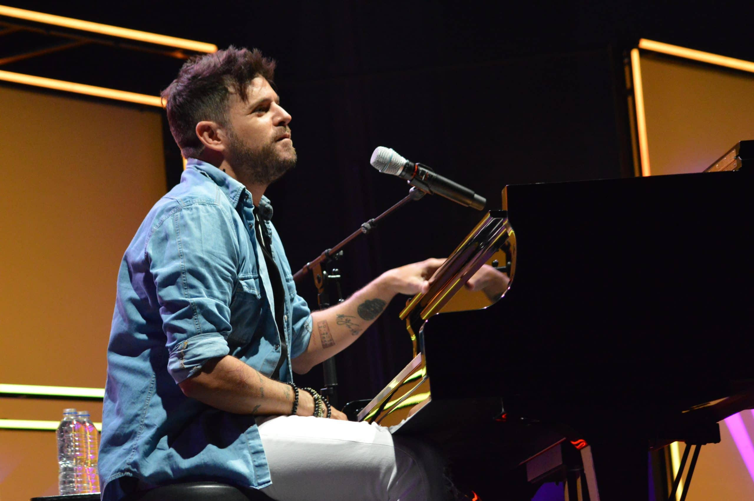 La gira 'López, piano y voz' de Pablo López pone el broche final a las fiestas de la Encina que nunca hubiéramos querido vivir 16