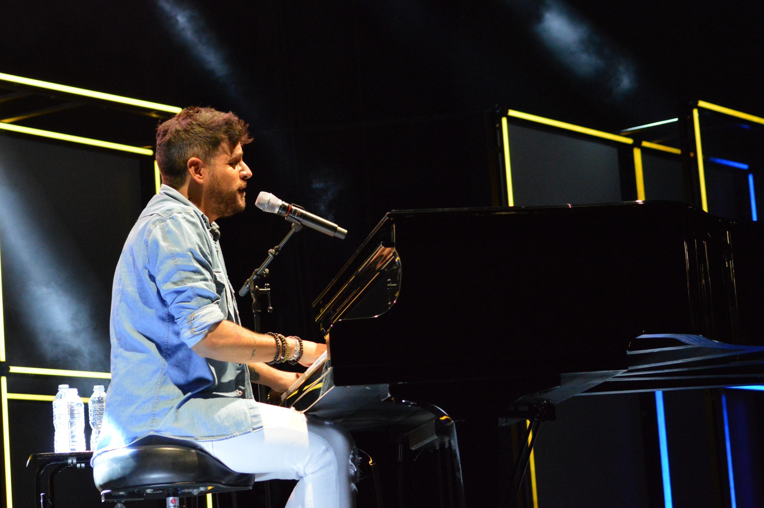 La gira 'López, piano y voz' de Pablo López pone el broche final a las fiestas de la Encina que nunca hubiéramos querido vivir 10