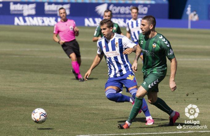 El Castellón consigue llevarse los tres puntos de El Toralín en los últimos segundos del partido - SD Ponferradina 1 - CD Castellón 2 6