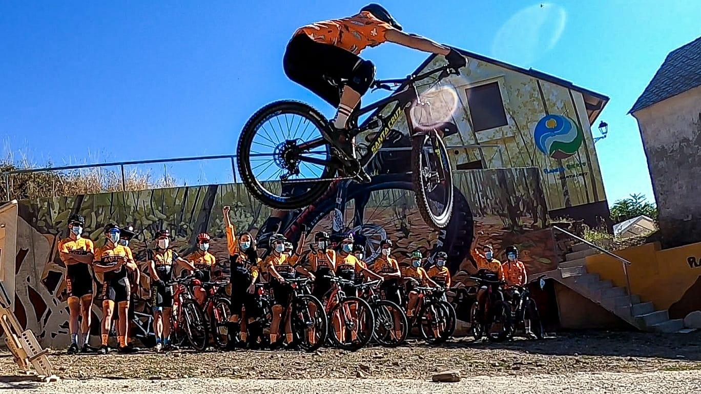 Jesús Calleja se abona a la bici en el Bierzo 2