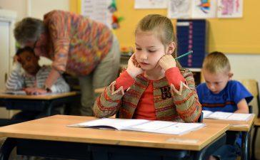 La Junta destina este curso 93.000 euros a fomentar la participación de las familias en los centros docentes de la Comunidad 4