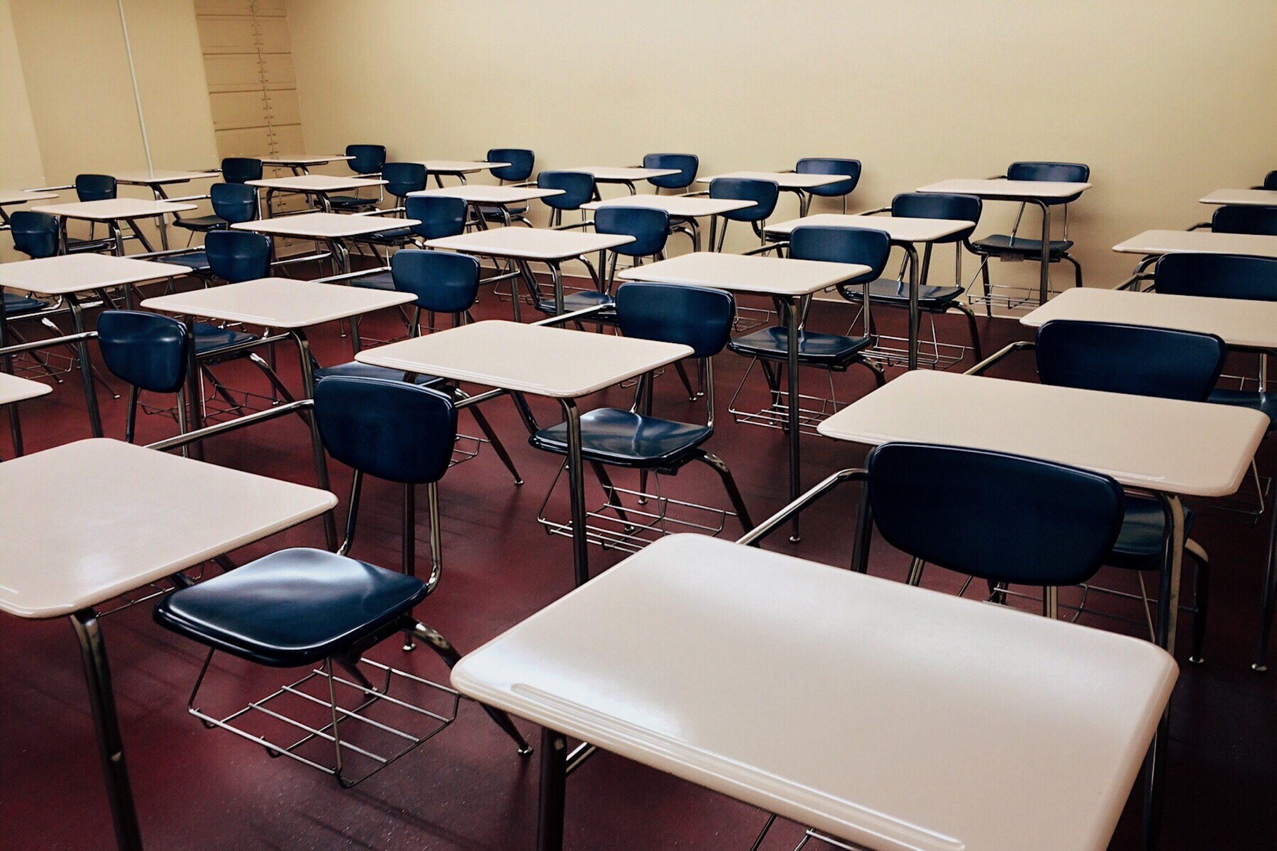 La Junta pone en cuarentena tres aulas en Burgos, Soria y Valladolid al detectar alumnos con PCR positiva por contactos en el exterior del centro educativo 1