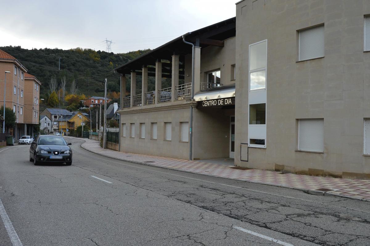 Torre del Bierzo da el primer paso para la cesión de su centro de día a Asprona para poner en marcha nuevos servicios en el Bierzo Alto 1
