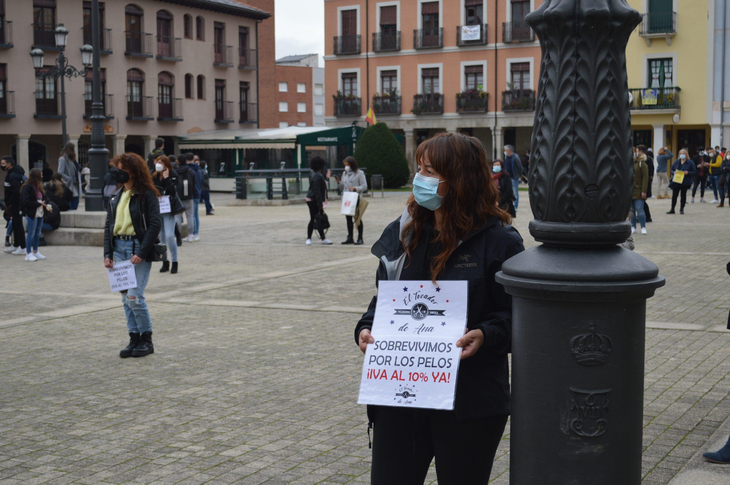 Peluquerías y centros de belleza de El Bierzo y Laciana se concentran en Ponferrada pidiendo apoyo para mantener el sector a flote 5