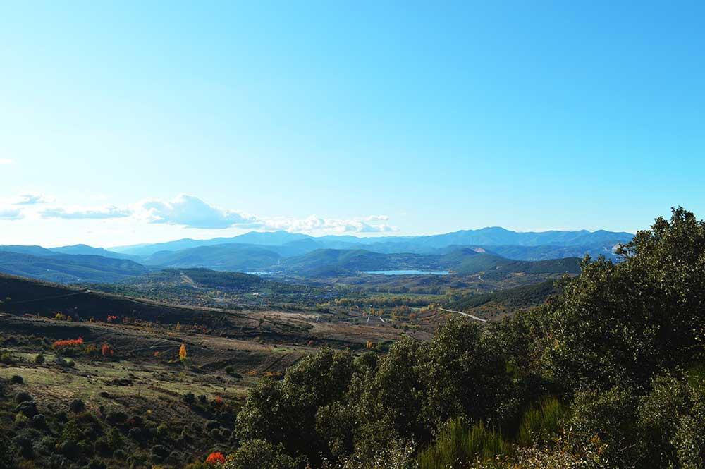 Castillo de Cornatel, una ruta entre un mirador de vértigo y el banco más bonito del Bierzo 7