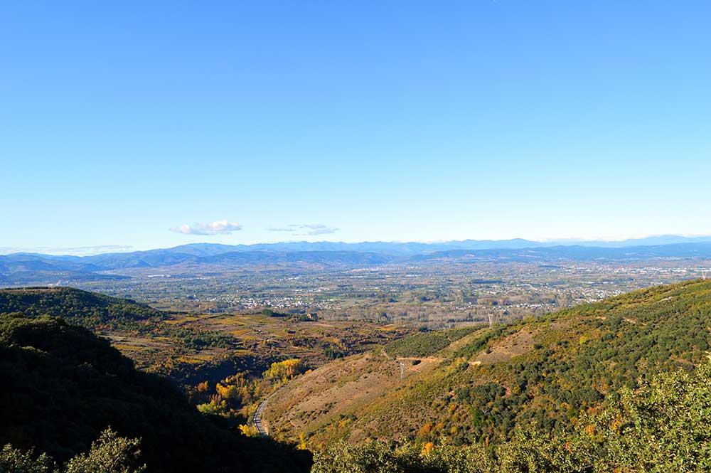 Castillo de Cornatel, una ruta entre un mirador de vértigo y el banco más bonito del Bierzo 3