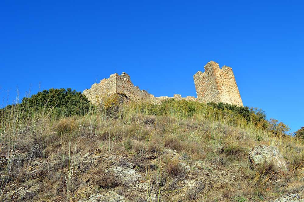 Castillo de Cornatel, una ruta entre un mirador de vértigo y el banco más bonito del Bierzo 6