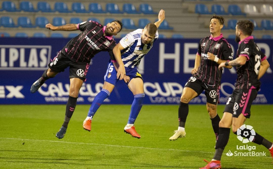 La Ponferradina se queda los tres puntos en un partido muy sufrido ante un correoso Tenerife (1-0) 4