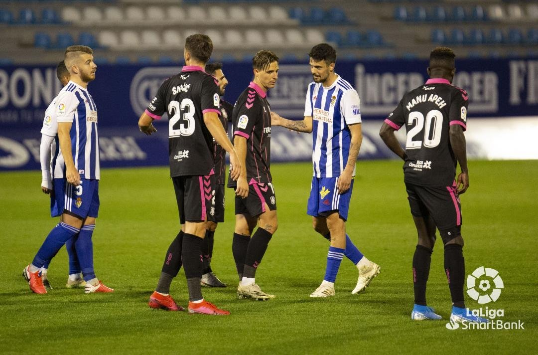 La Ponferradina se queda los tres puntos en un partido muy sufrido ante un correoso Tenerife (1-0) 2