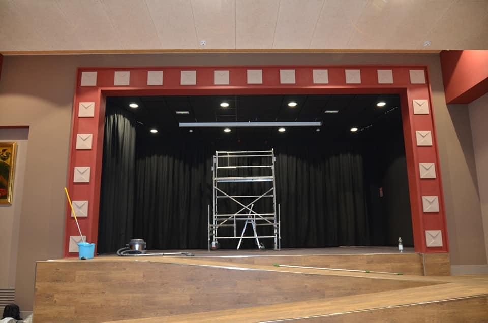 El histórico Salón de Actos del Colegio Diocesano San Ignacio se reinaugura hoy totalmente adaptado a los nuevos tiempos 3