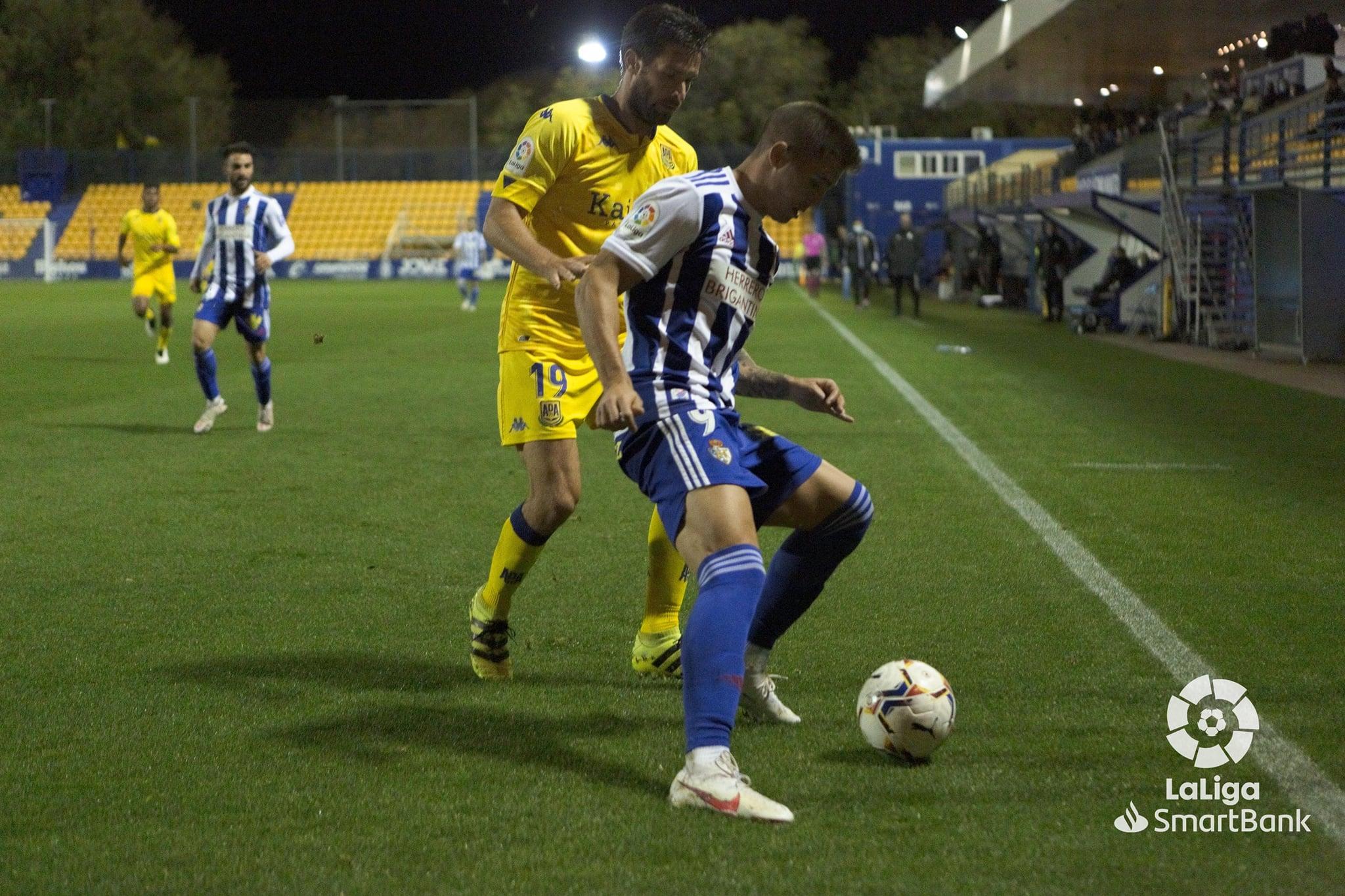 La Ponferradina se lleva los tres puntos en el Santo Domingo en un soporífero partido (1-0) 15