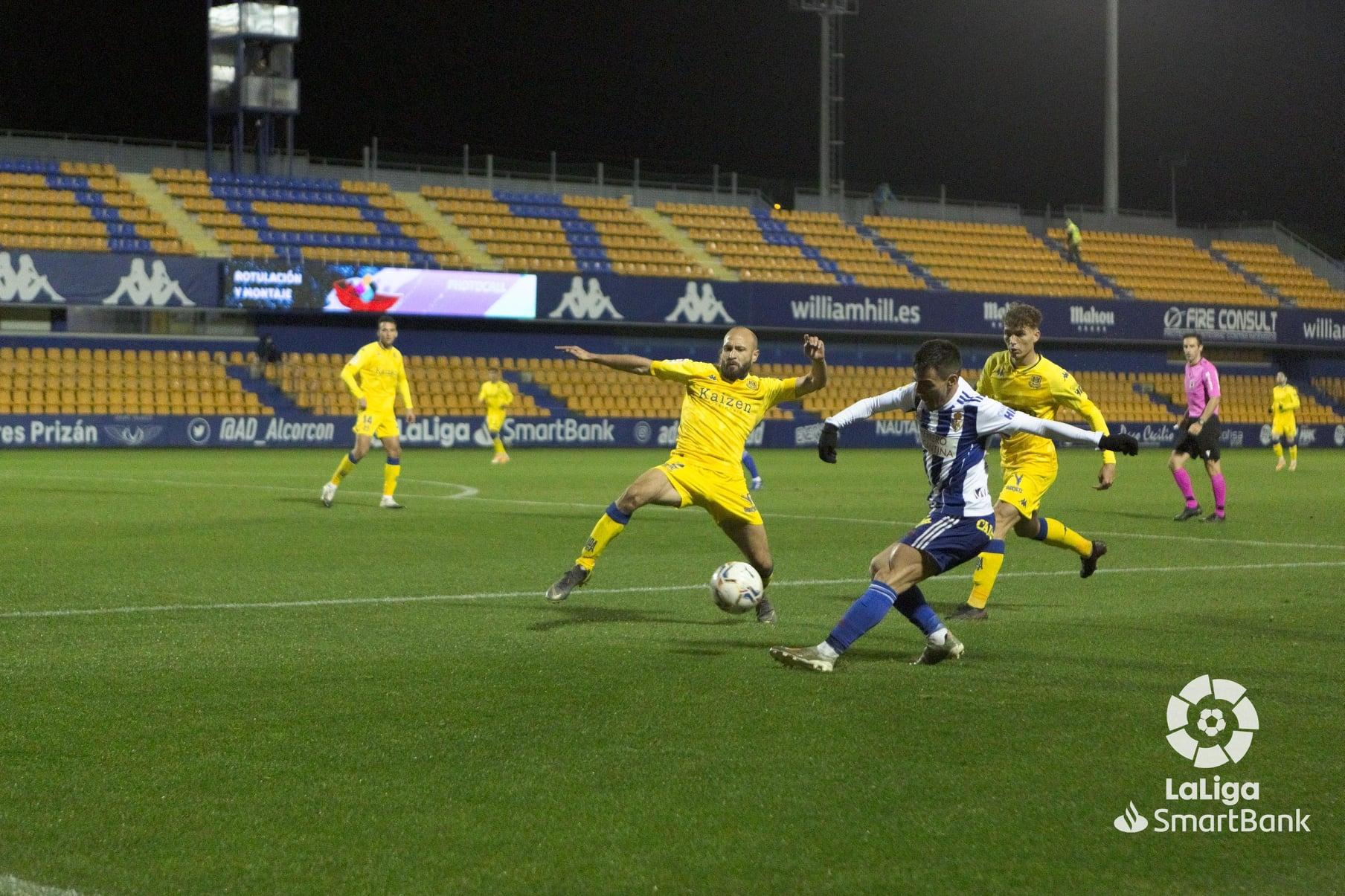 La Ponferradina se lleva los tres puntos en el Santo Domingo en un soporífero partido (1-0) 14