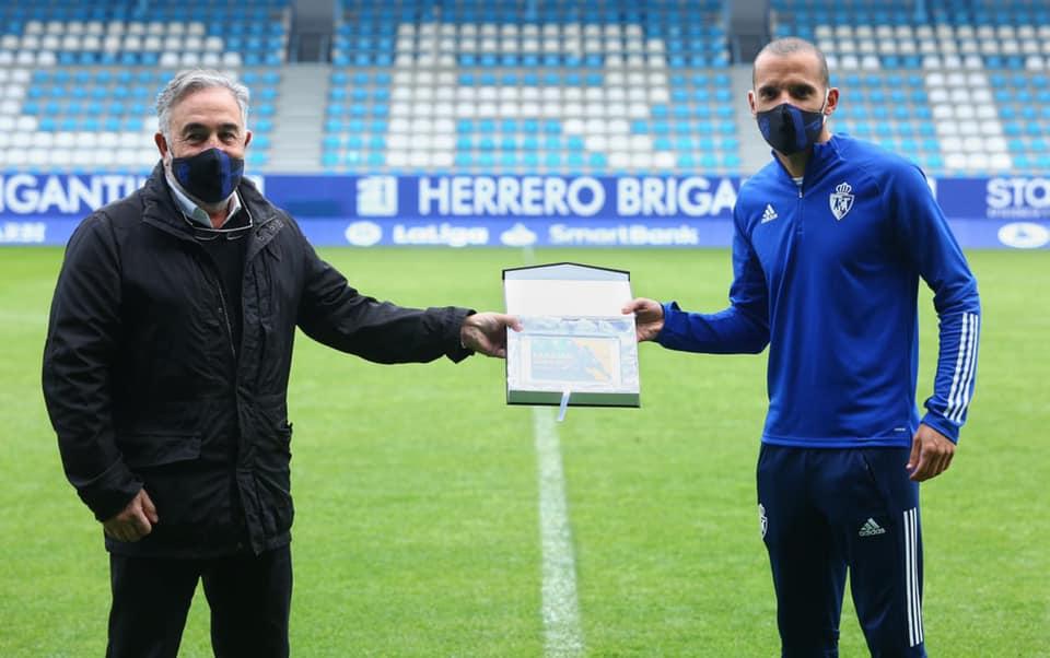 La Ponferradina celebra los 100 partidos de Bolo como entrenador y el hito de Yuri como máximo goleador de la historia del club 3