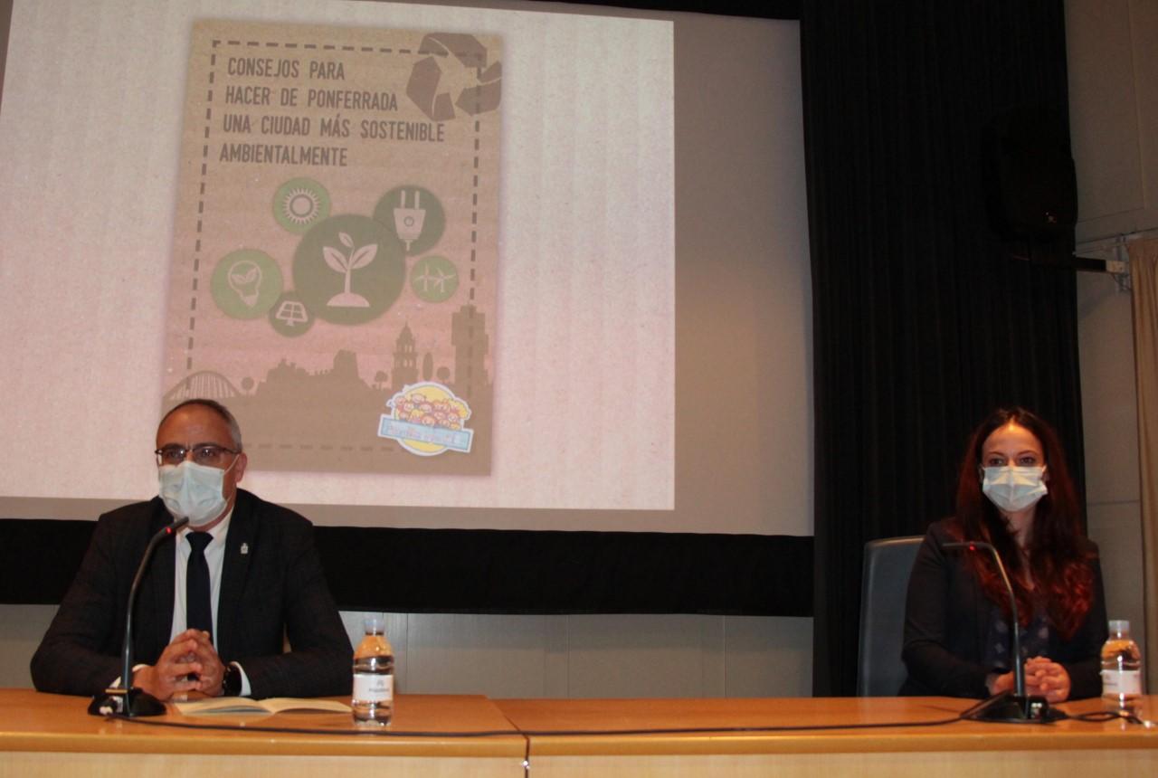 """Presentación de la guía """"Consejos para hacer de Ponferrada una sociedad más sostenible"""" elaborada por la Asamblea Municipal de la Infancia y la Adolescencia 1"""