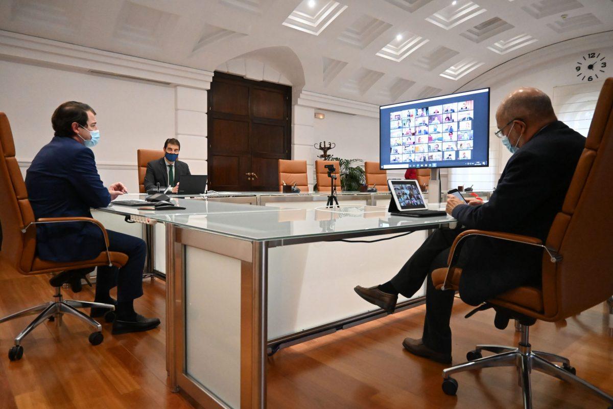 Mañueco anuncia a alcaldes y presidentes de diputación que la Junta generalizará los test de antígenos 1