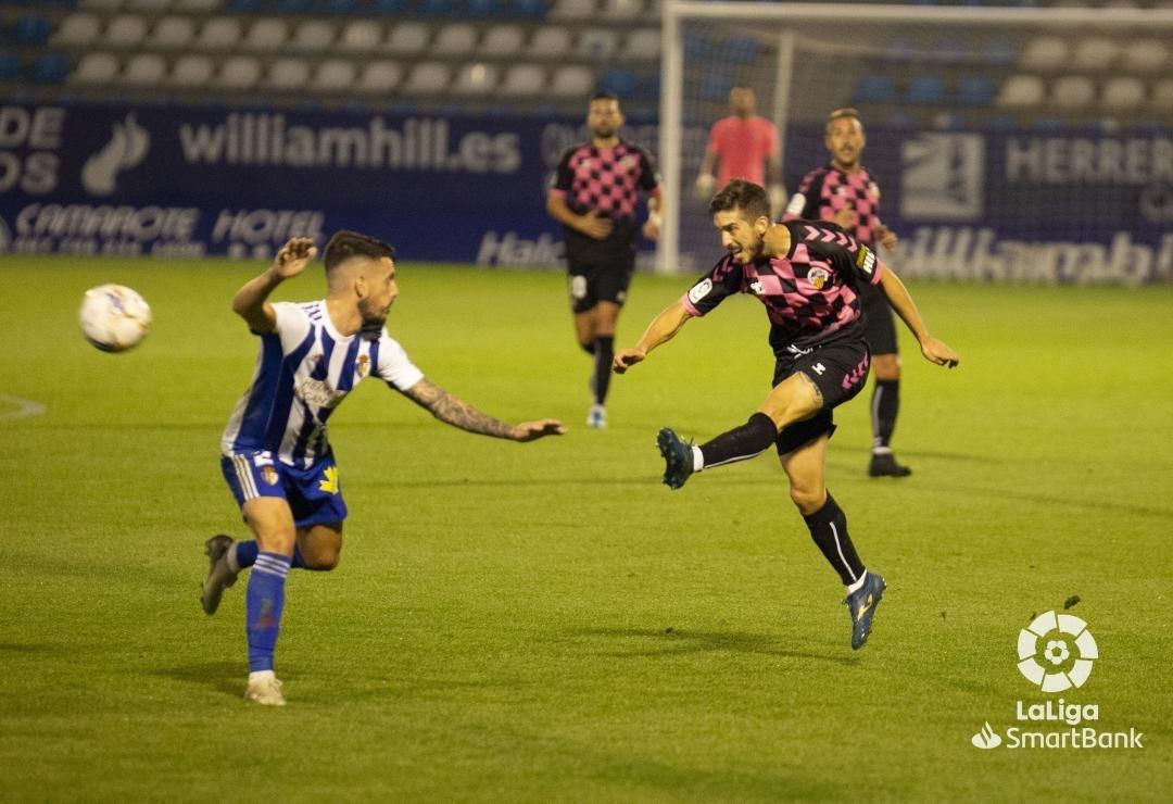 Una desconocida Ponferradina se deja llevar los tres puntos en El Toralín (0-3) 4