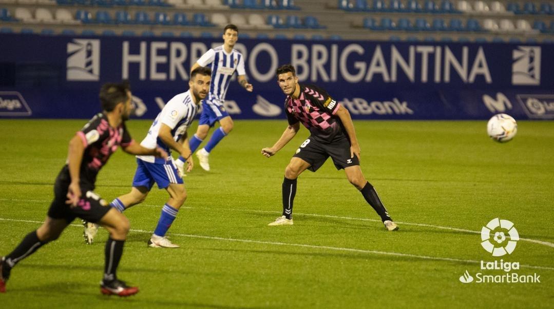 Una desconocida Ponferradina se deja llevar los tres puntos en El Toralín (0-3) 8