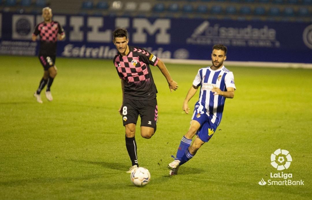 Una desconocida Ponferradina se deja llevar los tres puntos en El Toralín (0-3) 6