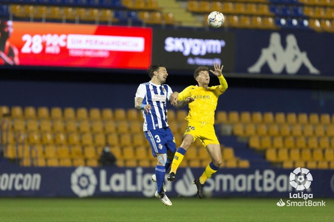 La Ponferradina se lleva los tres puntos en el Santo Domingo en un soporífero partido (1-0) 4