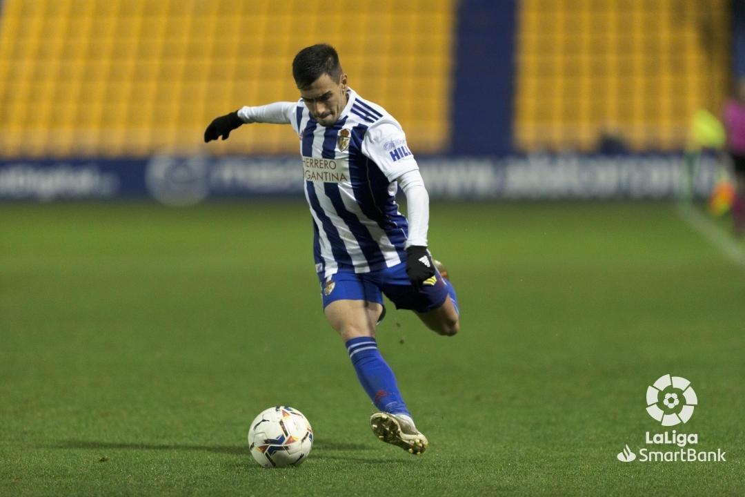 La Ponferradina se lleva los tres puntos en el Santo Domingo en un soporífero partido (1-0) 13
