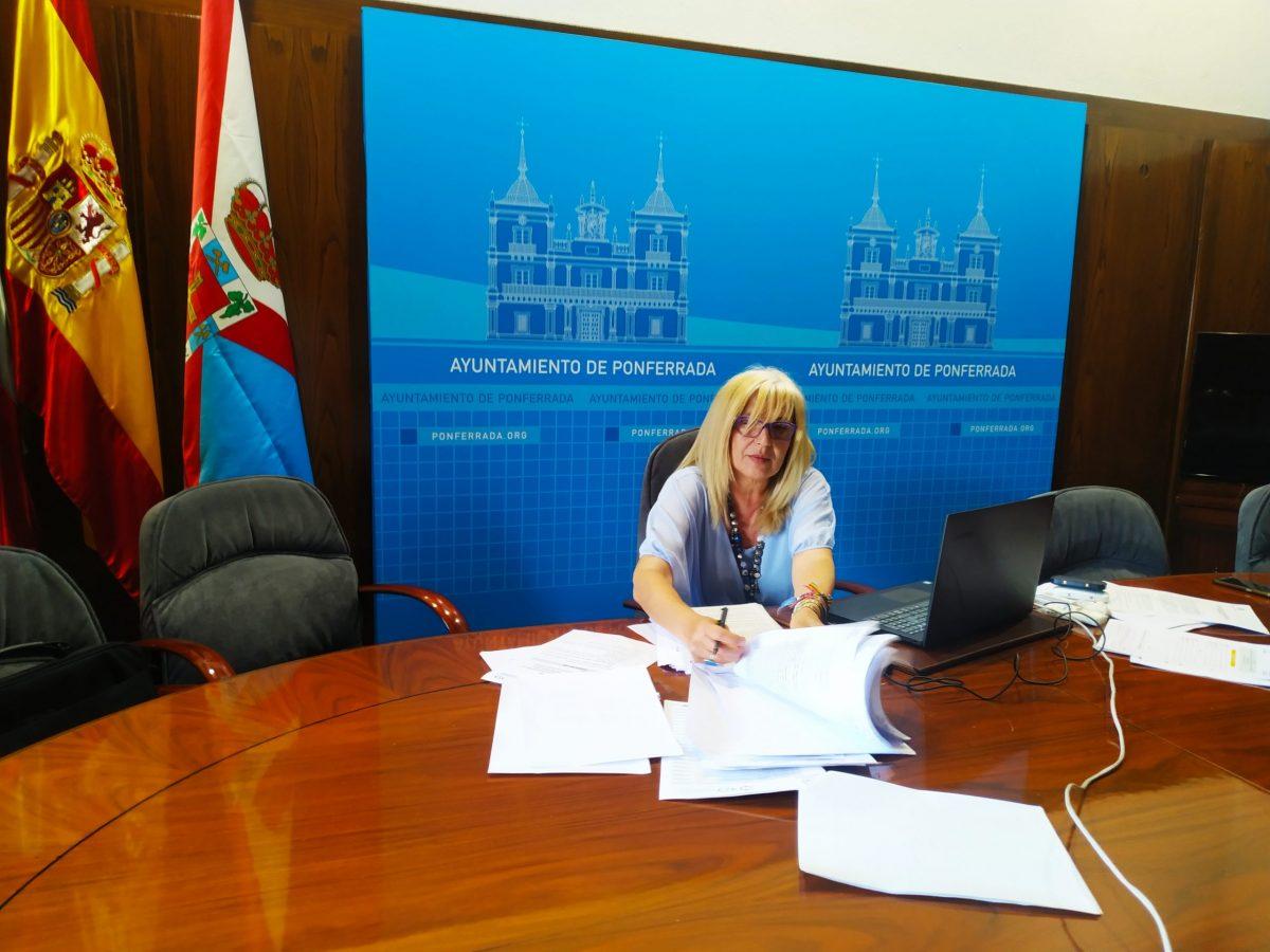 Ponferrada presenta la primera acción de sensibilización del Proyecto Faro a través de un ciclo teatro de calle 1