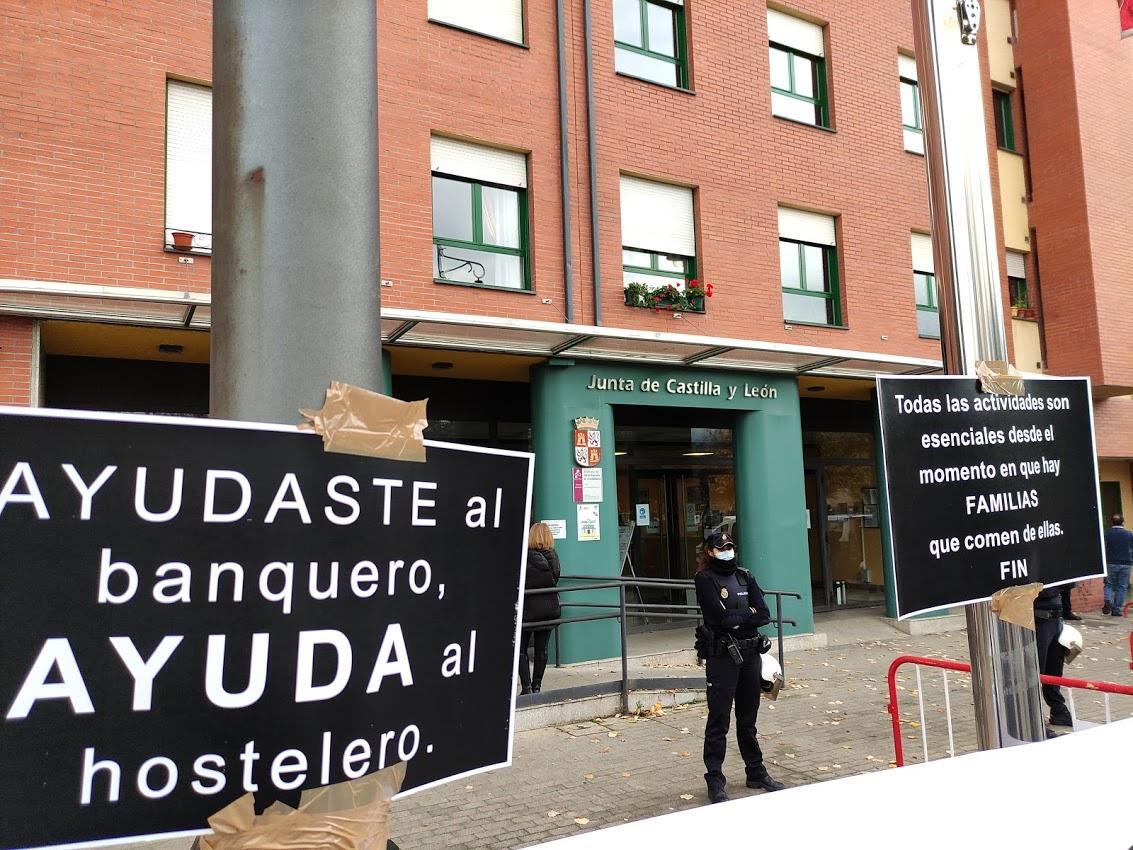 La hostelería berciana asegura que se les expropia el derecho al trabajo sin justificación 1