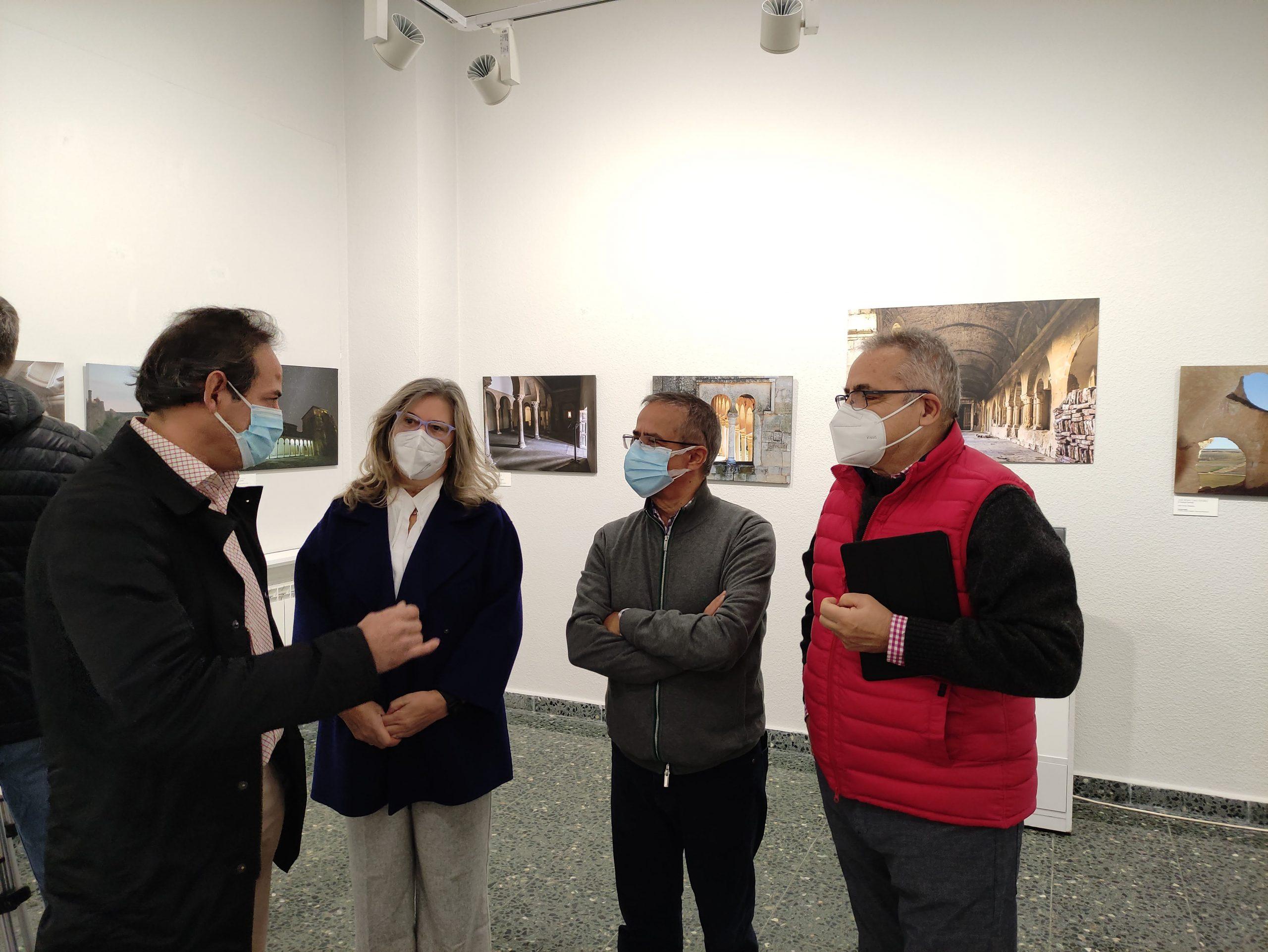 La Casa de la Cultura de Ponferrada presenta la exposición fotográfica 'RUTA DE LOS MONASTERIOS' 3