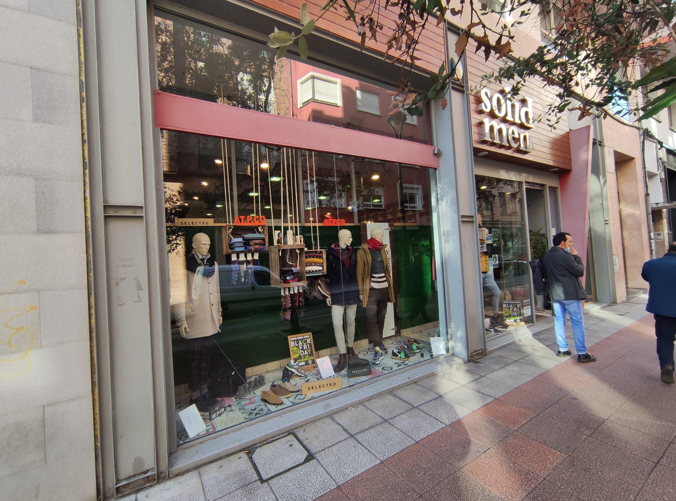 Ponferrada entra de lleno en el Black Friday y el centro recibe a 'My Funky Socks' una desenfadada tienda de calcetines 5